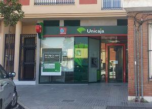 Fachada de la oficina de Unicaja en Santa Rosalía